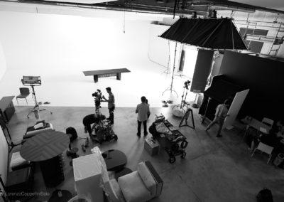 Preparativi per lo shooting nella sala posa di LCBstudio
