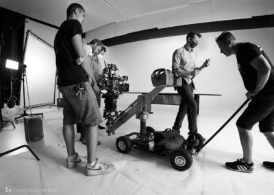 Dolly e troupe durante lo shooting nella sala posa di LCBstudio